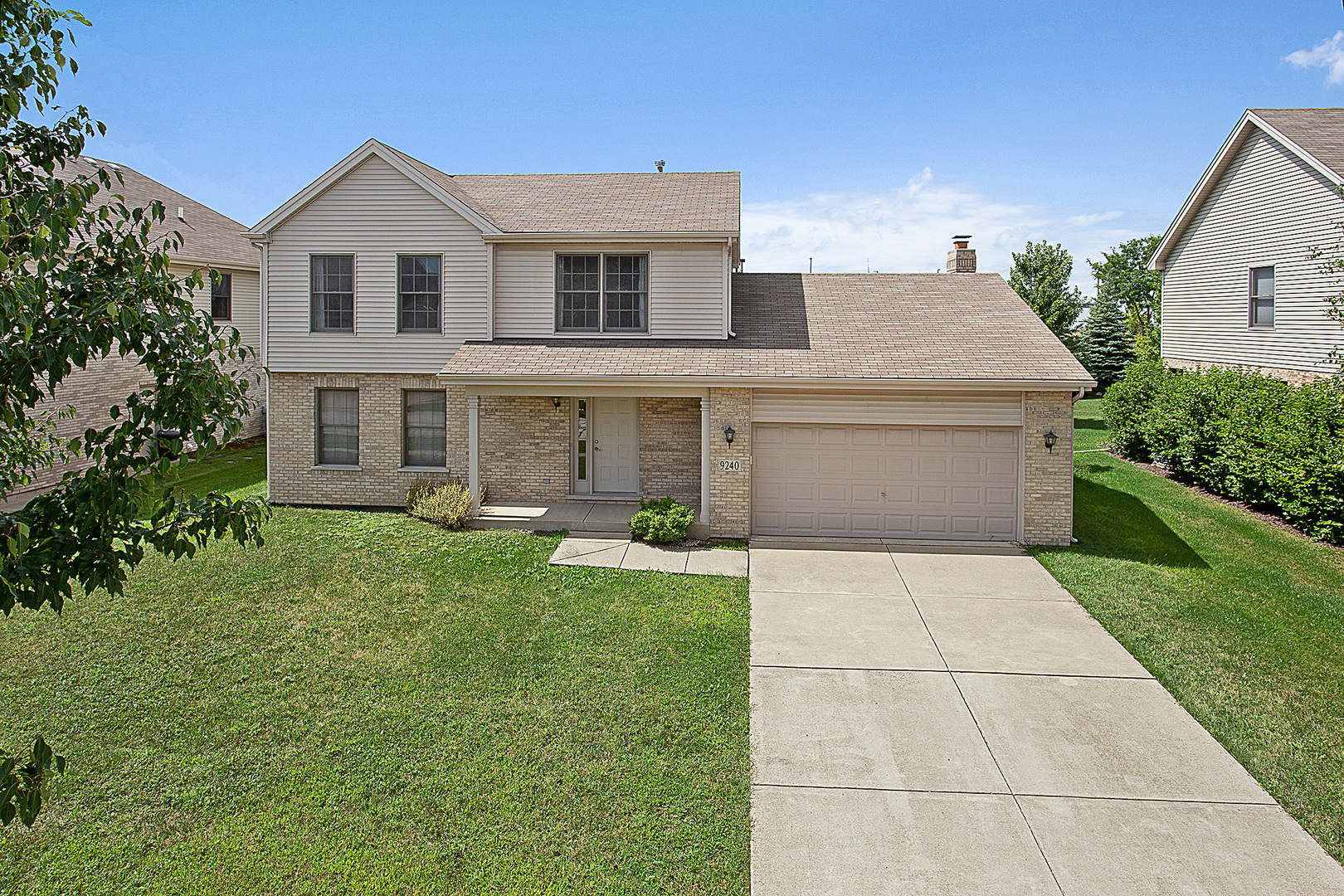 9240 Witham Lane, Woodridge, Illinois