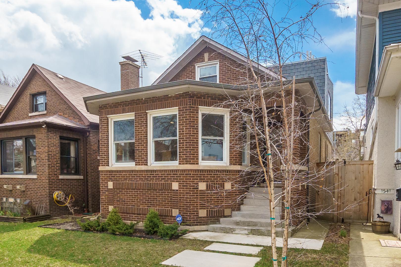 1537 West NORWOOD Street, Rogers Park, Illinois