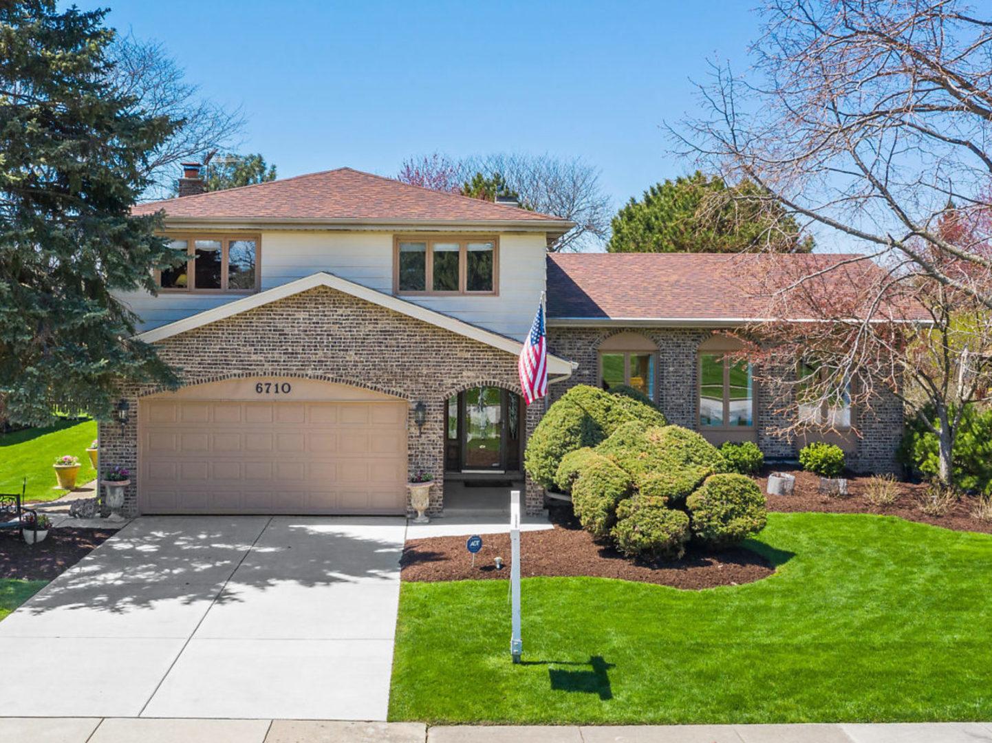 6710 Saratoga Avenue, Downers Grove, Illinois