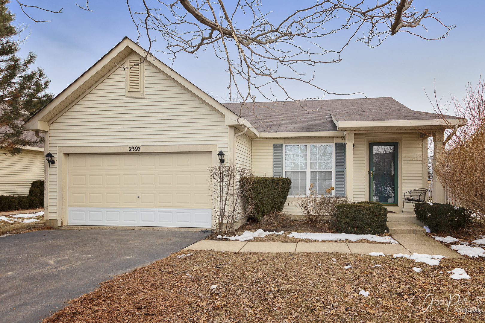 2397 North Greystone Drive, Round Lake Beach, Illinois