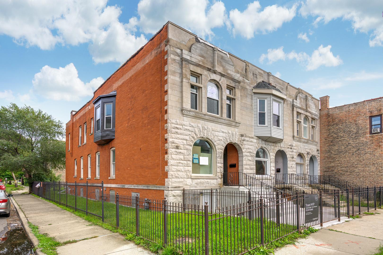 4501 South Indiana Avenue, Kenwood, Illinois