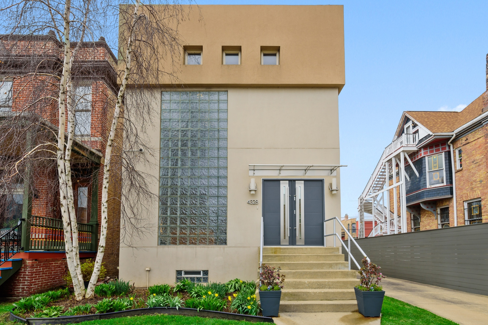 4328 South Oakenwald Avenue, one of homes for sale in Kenwood