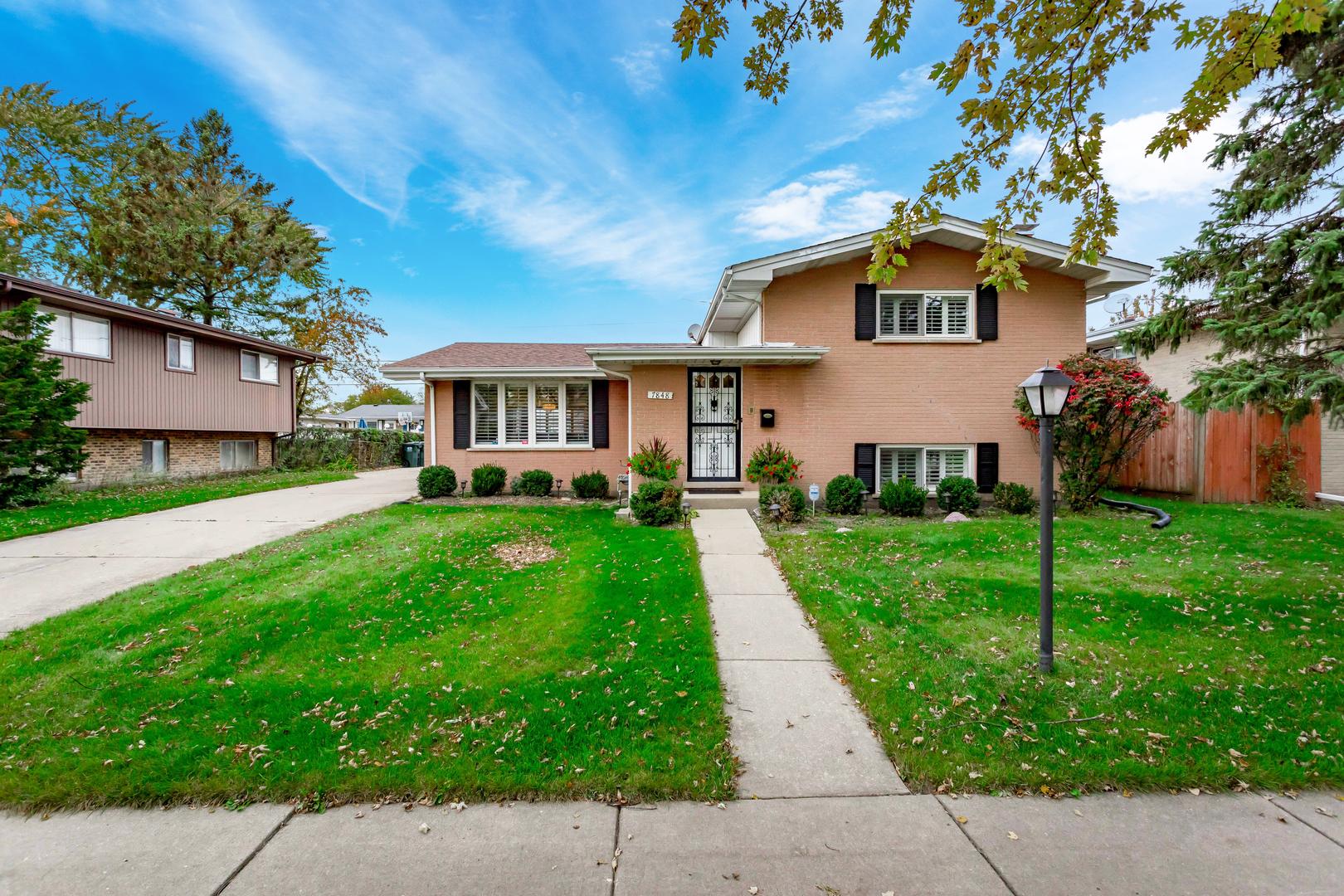 7848 Davis Street, Morton Grove, Illinois