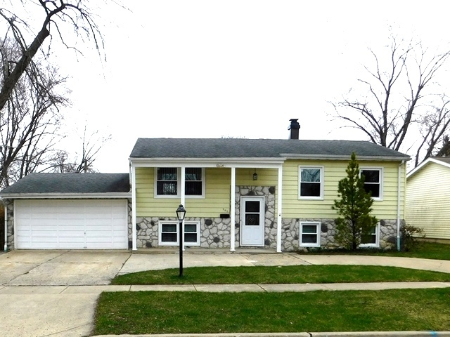 303 Westmoreland Drive, Vernon Hills in Lake County, IL 60061 Home for Sale