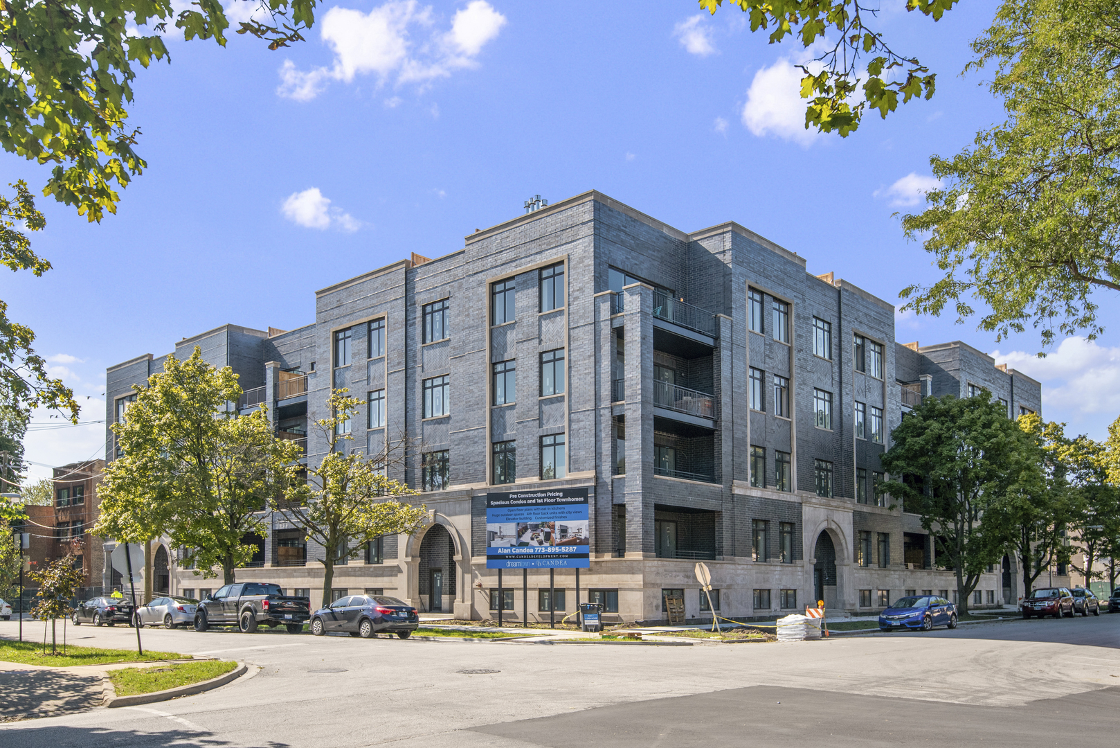 5748 North Hermitage Avenue, Rogers Park, Illinois