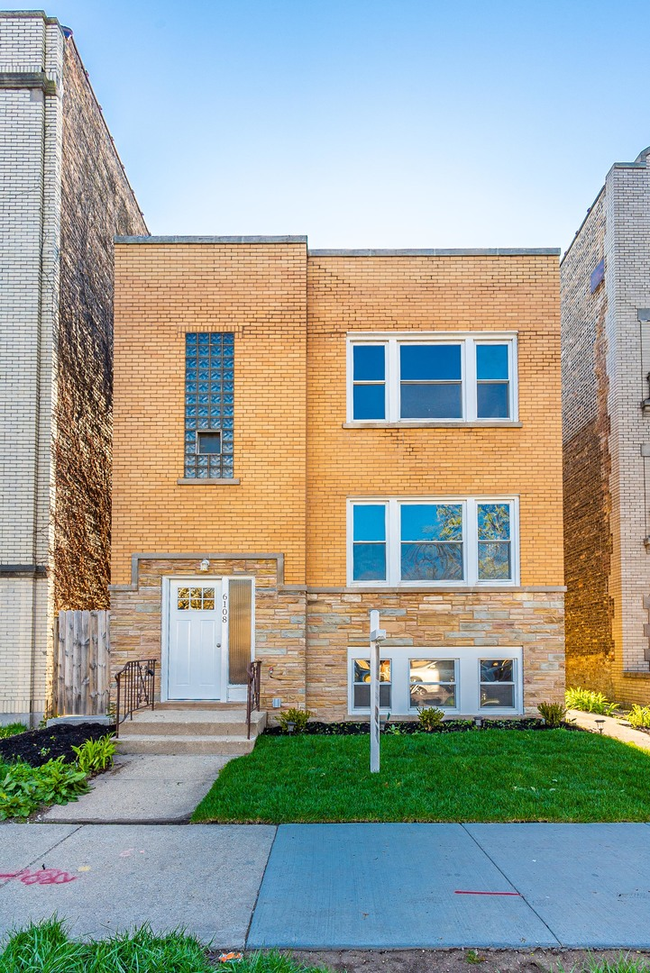 6108 North Rockwell Street, North Park Chicago, Illinois