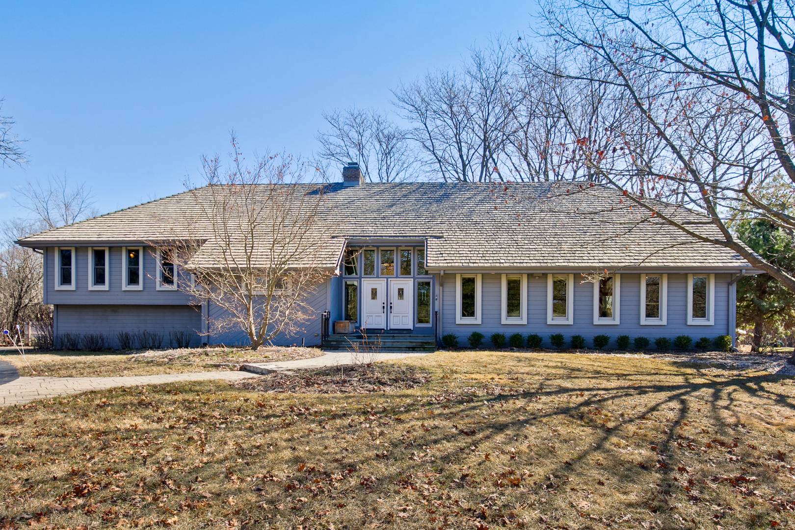 151 North Suffolk Lane, Lake Forest, Illinois