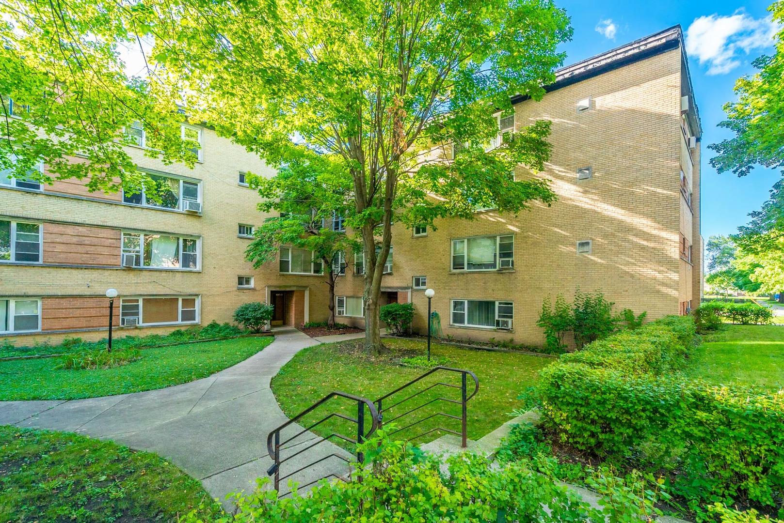 6146 North Damen Avenue, North Park Chicago, Illinois