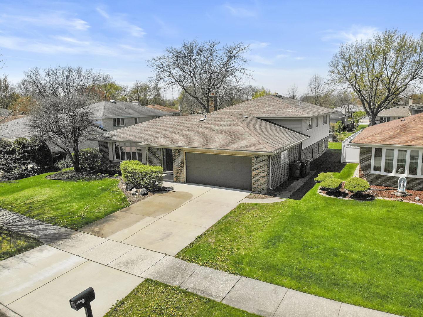 15300 Lilac Court, Orland Park, Illinois