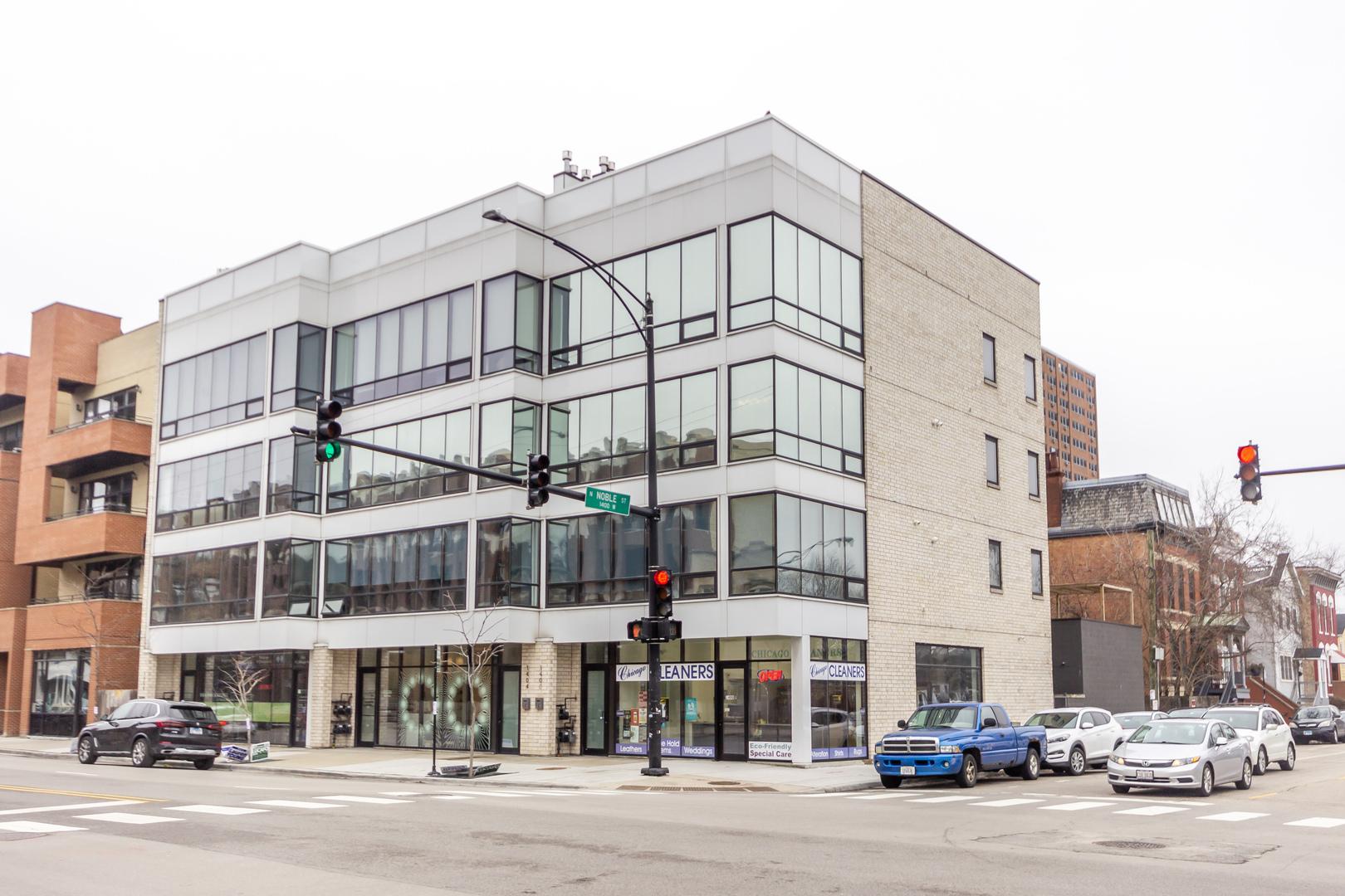1400 West Chicago Avenue, Bucktown, Illinois