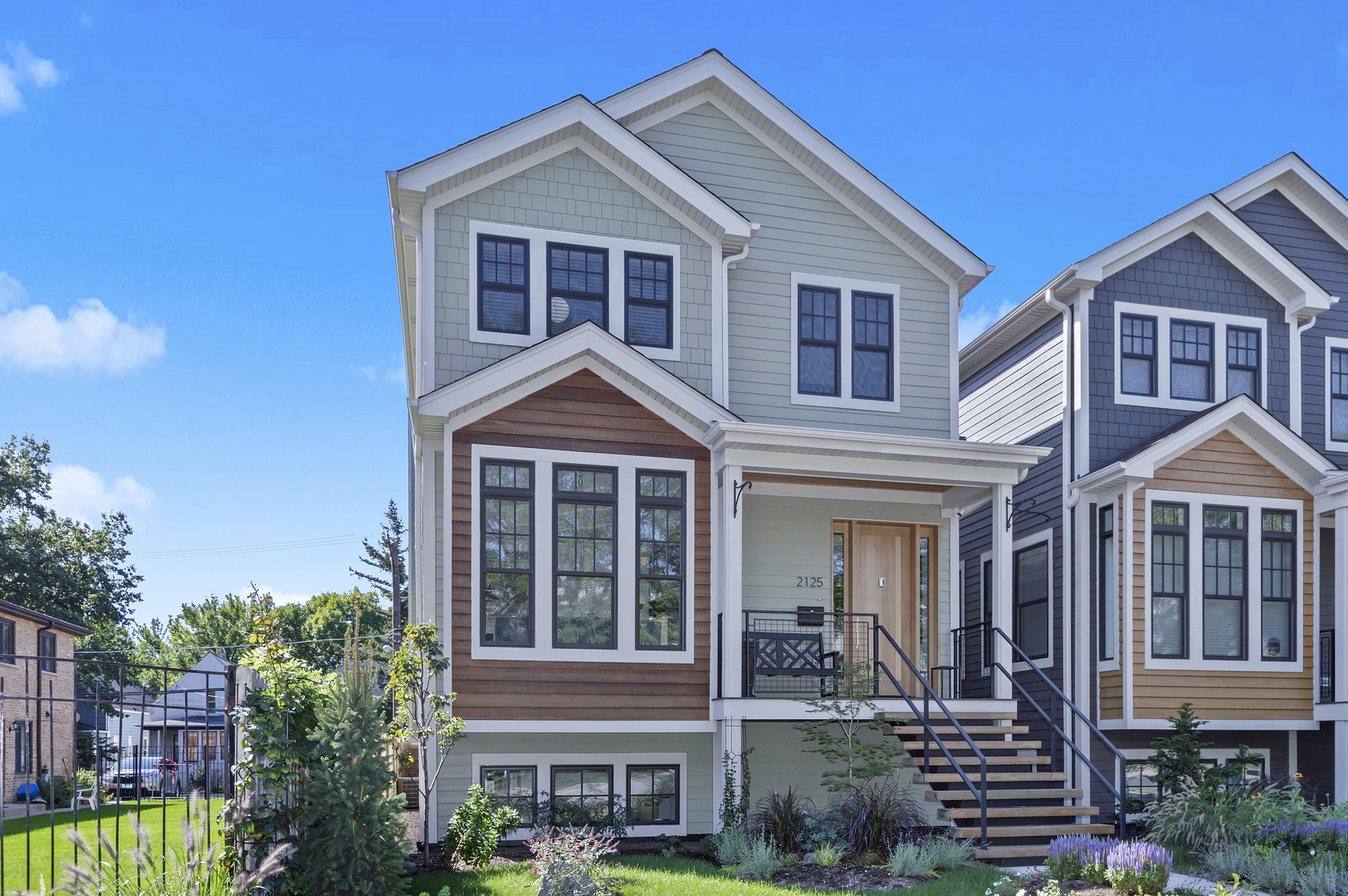 2125 West Balmoral Avenue, one of homes for sale in Lincoln Square