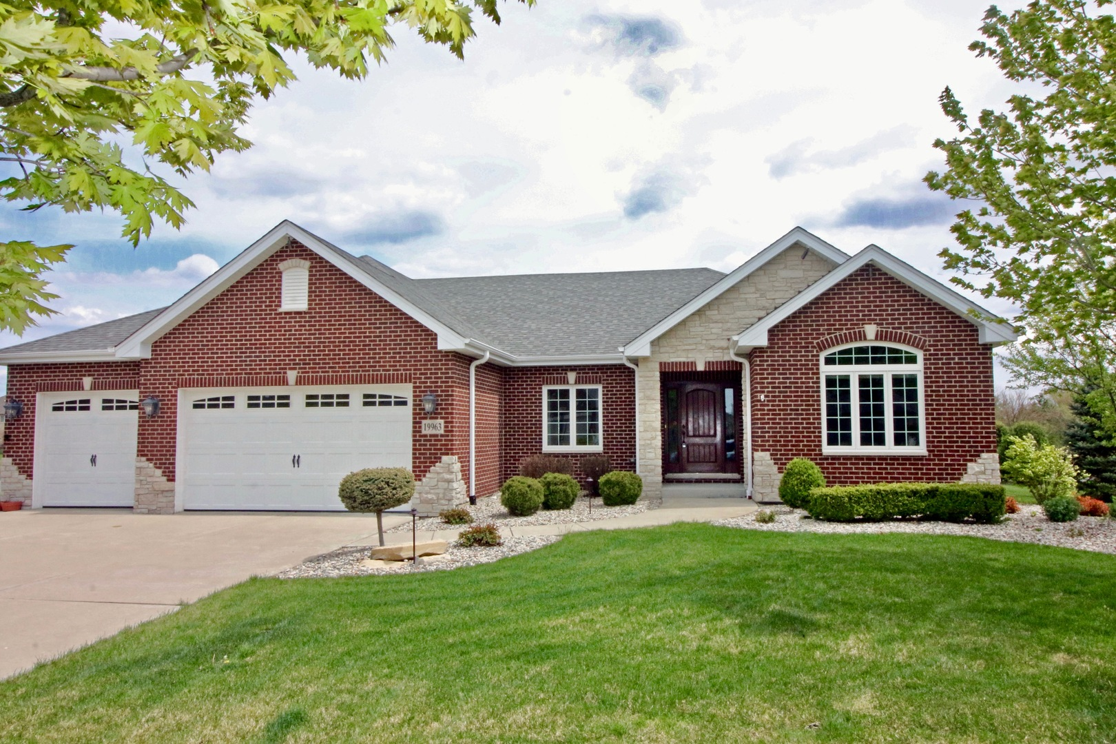 19963 Wildflower Drive, Frankfort in Will County, IL 60423 Home for Sale