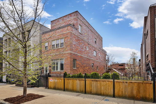 1115 West CHESTNUT Street, Bucktown in Cook County, IL 60642 Home for Sale