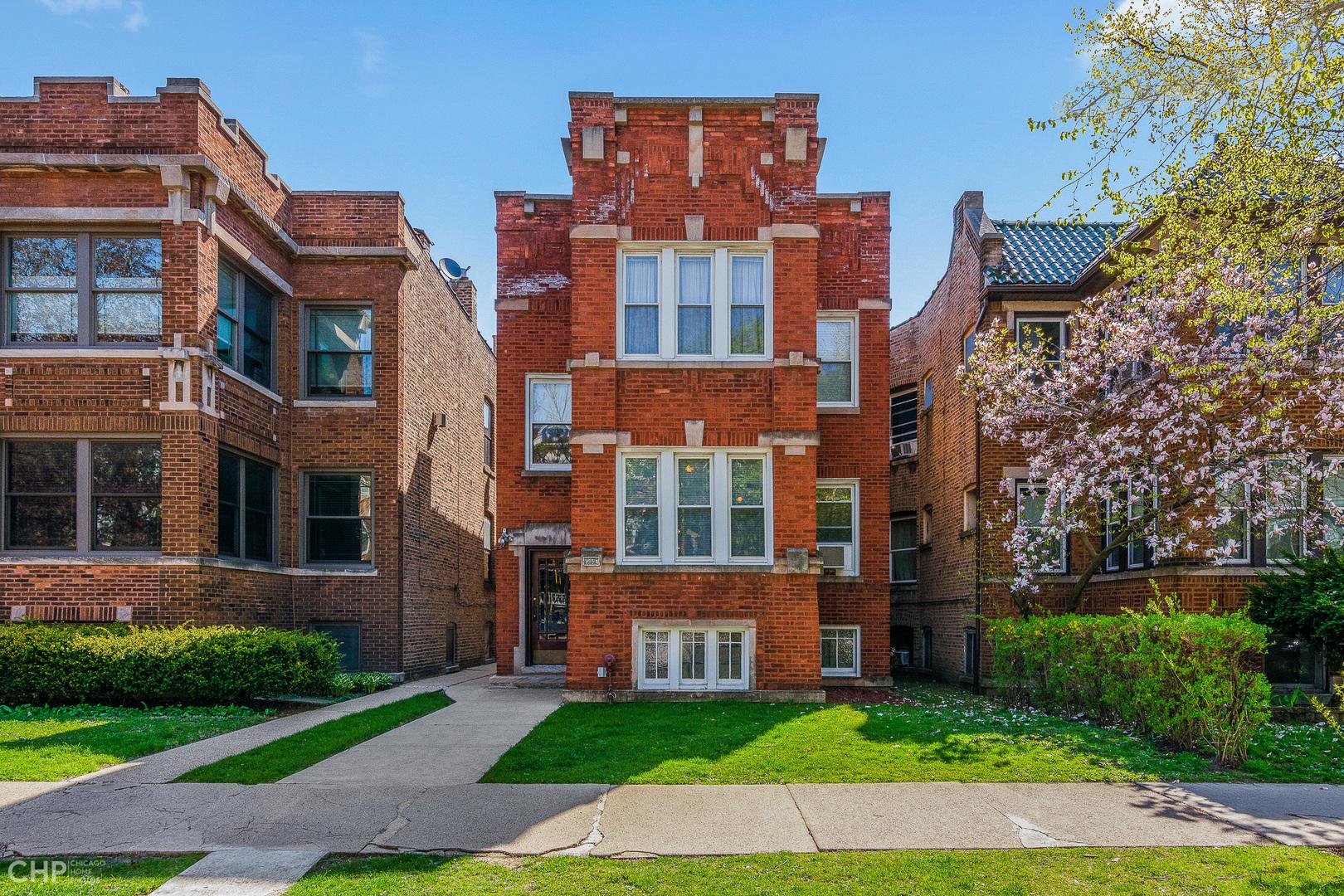 6447 North Glenwood Avenue, Rogers Park, Illinois
