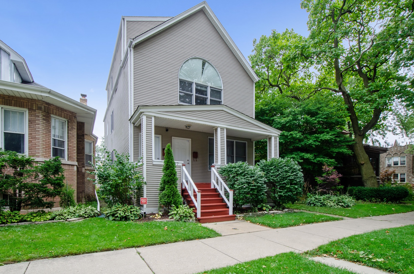 5707 North Rockwell Street, North Park Chicago, Illinois