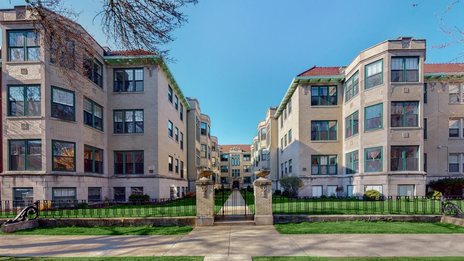 1426 West Lunt Avenue, Rogers Park, Illinois