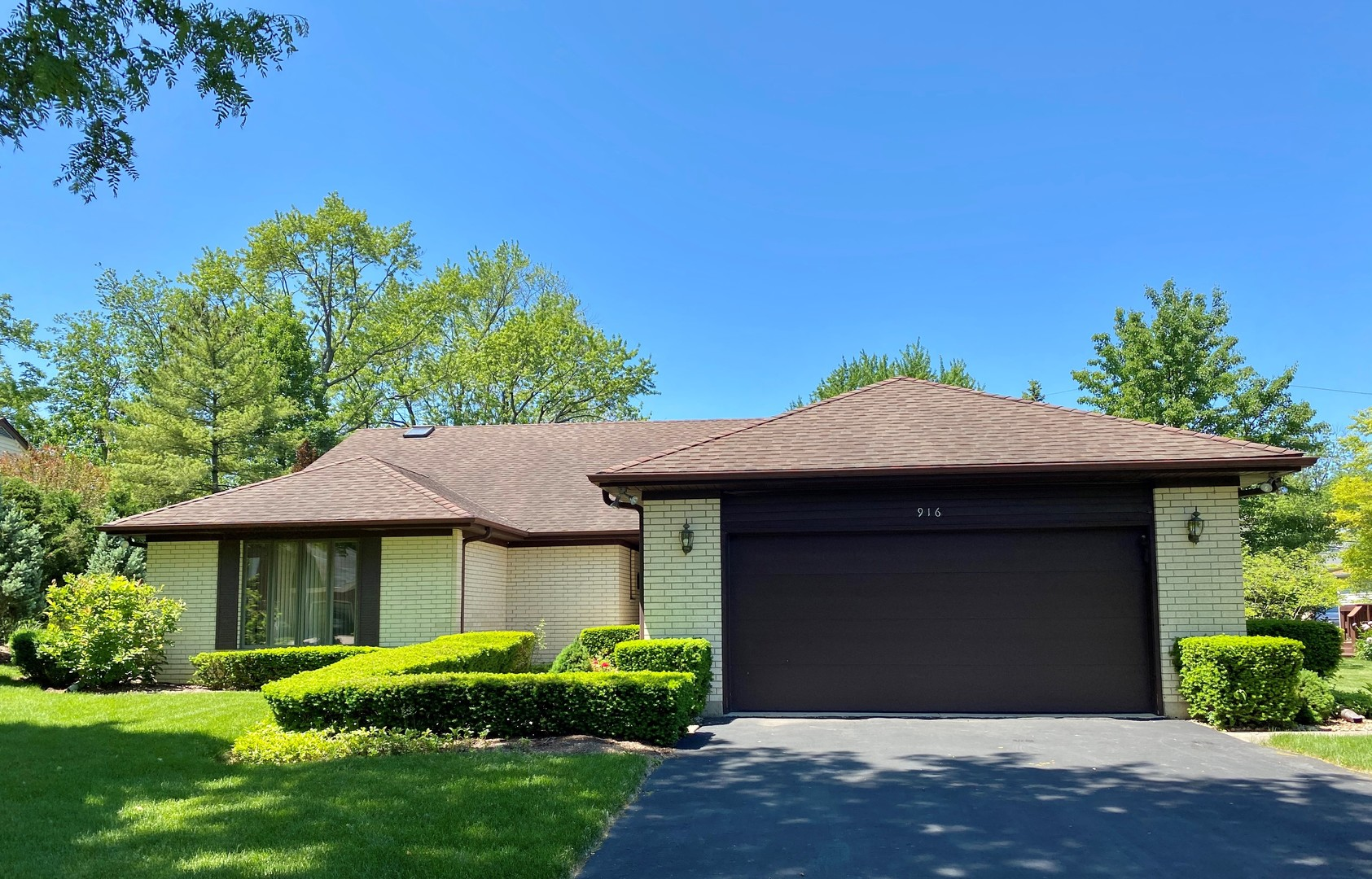 916 Burnham Court, Glenview in Cook County, IL 60025 Home for Sale