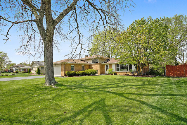 6106 West 127th Place, Palos Heights, Illinois