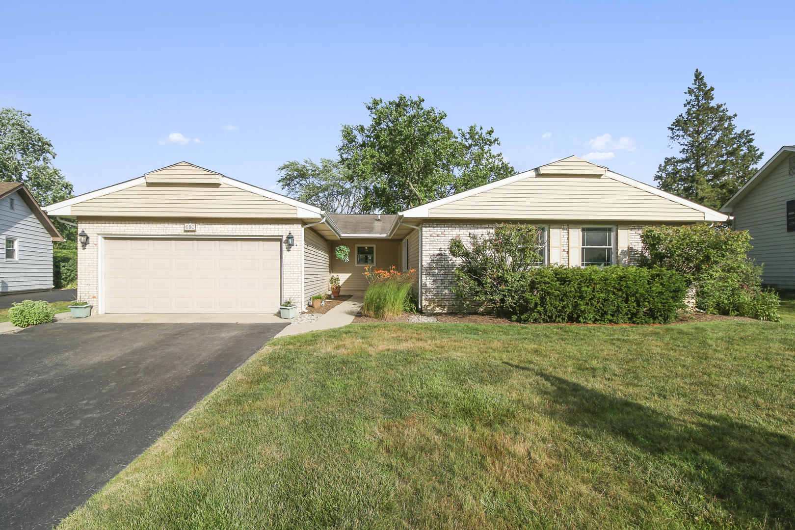 680 Shady Grove Lane, Buffalo Grove in Lake County, IL 60089 Home for Sale