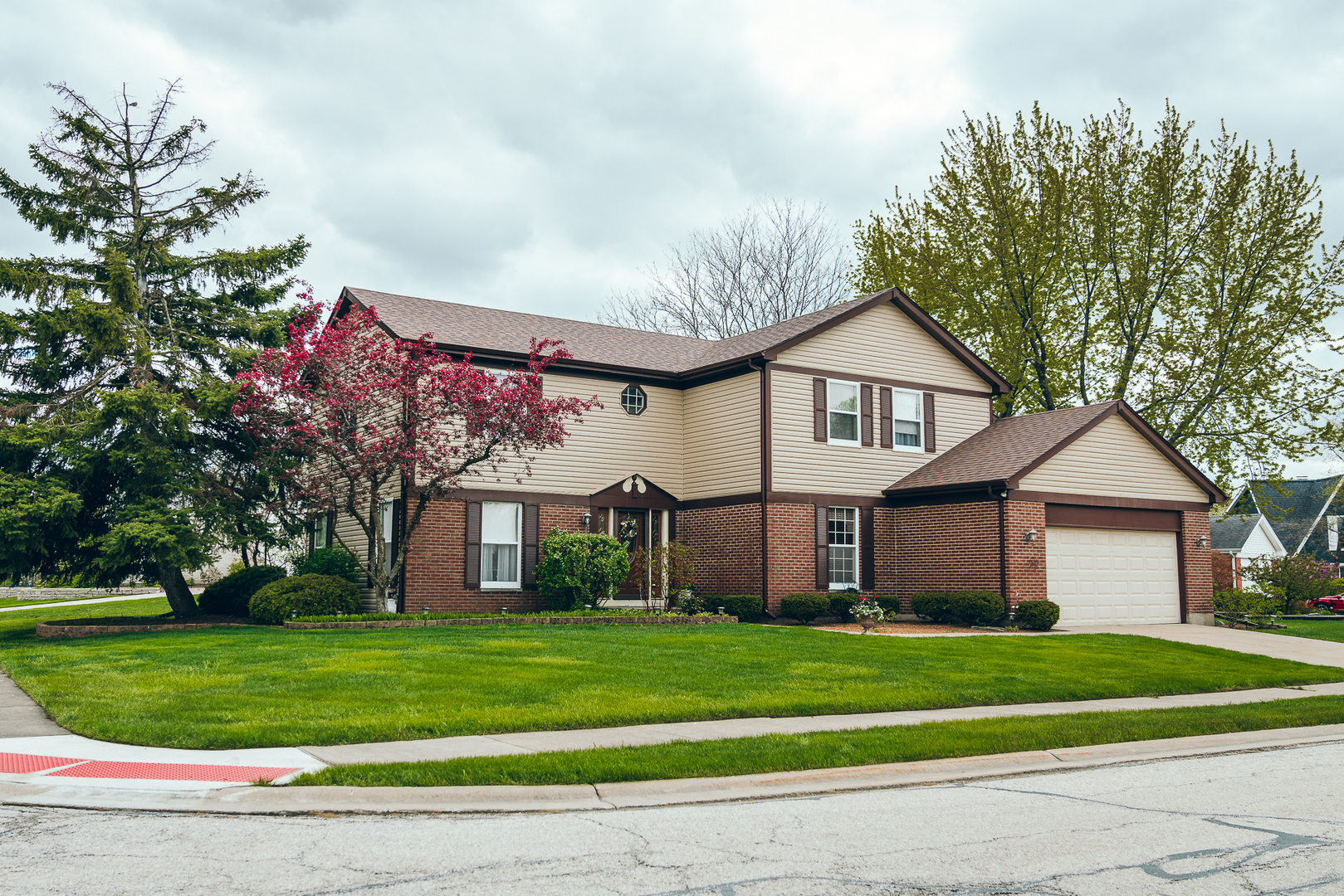 334 Kensington Court, Bloomingdale in Du Page County, IL 60108 Home for Sale