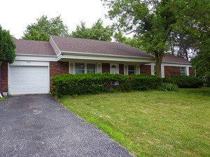 307 CHECKER Drive, Buffalo Grove in Lake County, IL 60089 Home for Sale