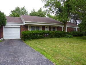 307 CHECKER Drive, Buffalo Grove, Illinois