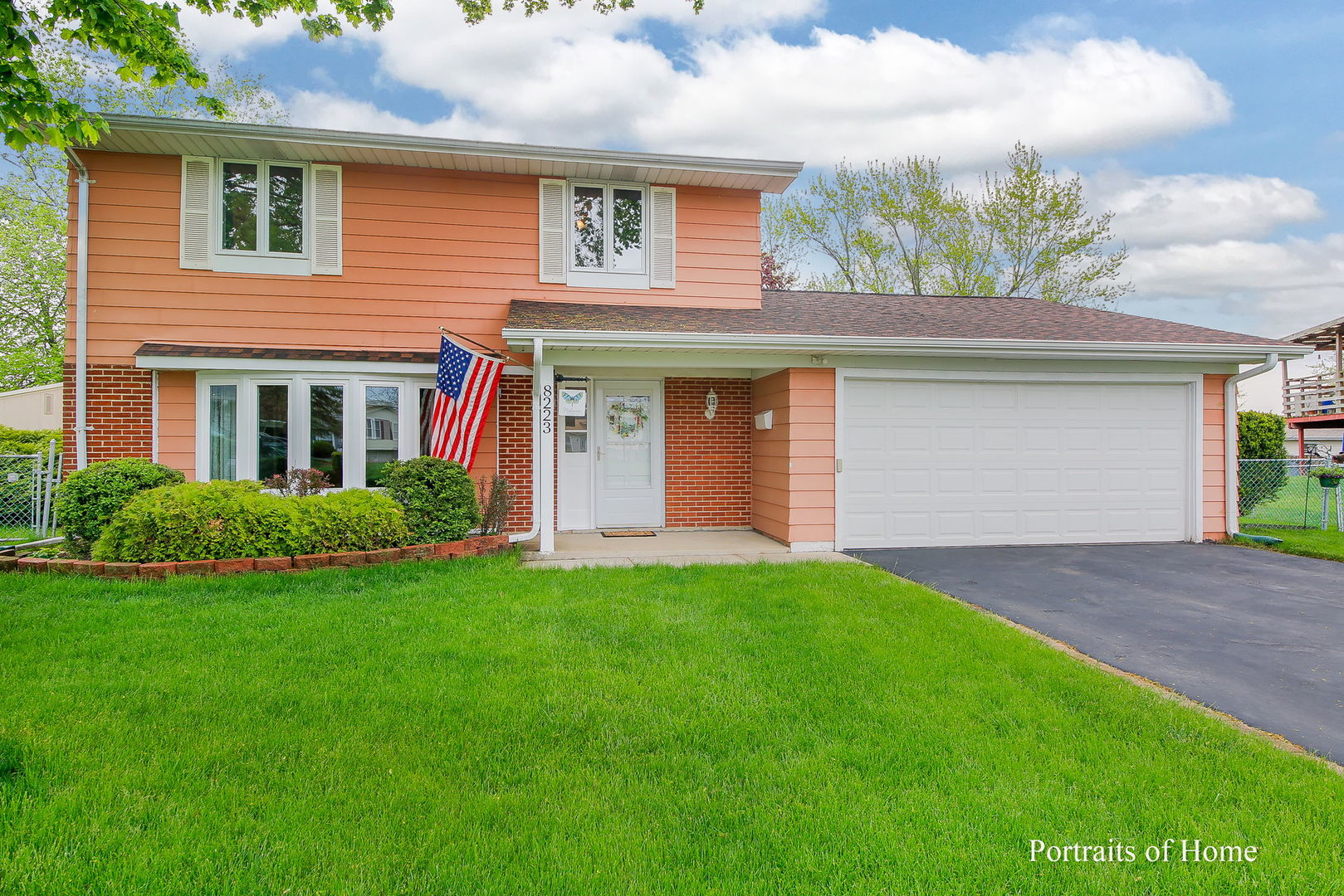 8223 North Carnaby Court, Hanover Park, Illinois