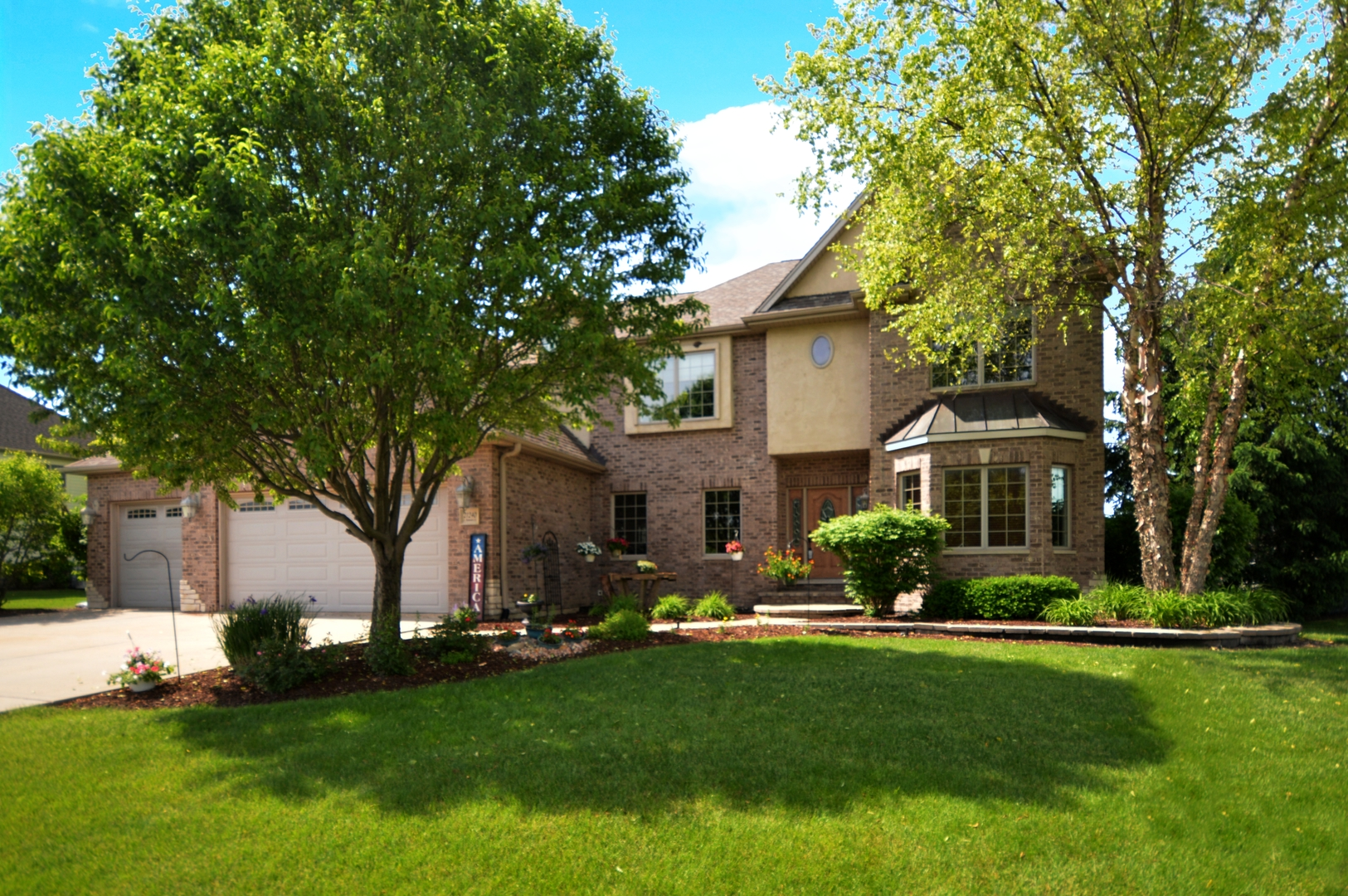 21240 South Redwood Lane, one of homes for sale in Shorewood