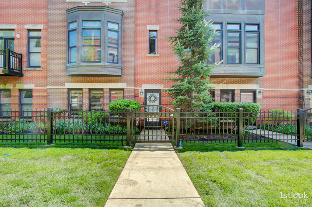 835 West College Parkway, Chicago-Near West Side, Illinois