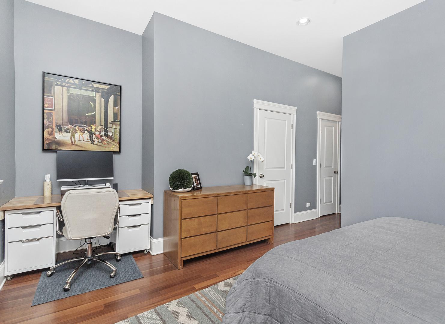 4804 North Hamilton Avenue Chicago Il 60625 For Sale