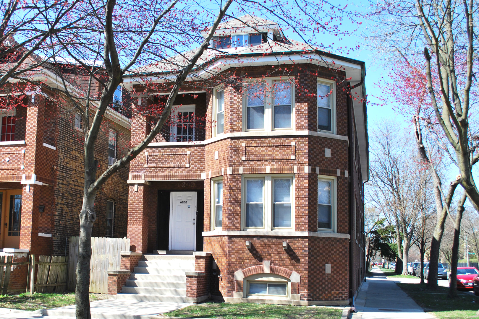 primary photo for 6800 South Rockwell Street, Chicago, IL 60629, US