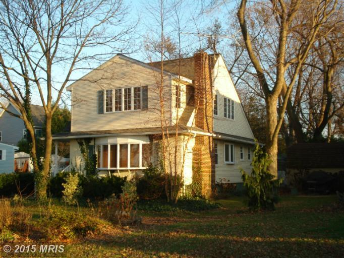 1616 Cliff Dr, Edgewater, MD 21037