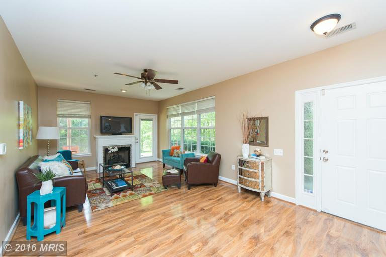 8660 Willow Leaf Ln, Odenton, MD 21113