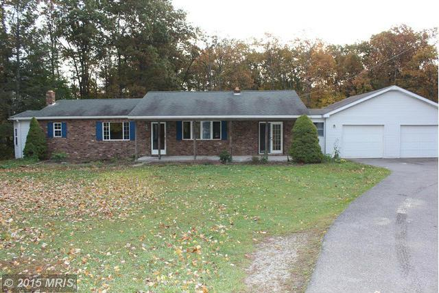30 Sunshine Ln, Fayetteville, PA 17222