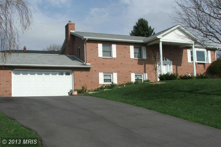 93 Teaberry Ln, Frostburg, MD 21532