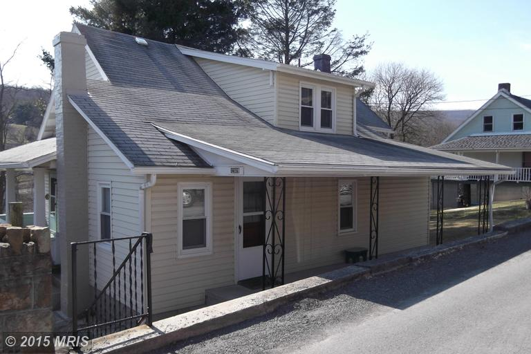 12819 New Row Rd NW, Mount Savage, MD 21545