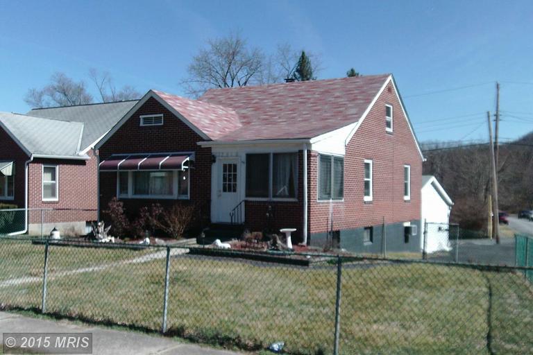 12416 Bowling St, Cumberland, MD 21502
