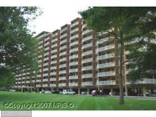1300 Army Navy Dr # 212, Arlington, VA 22202