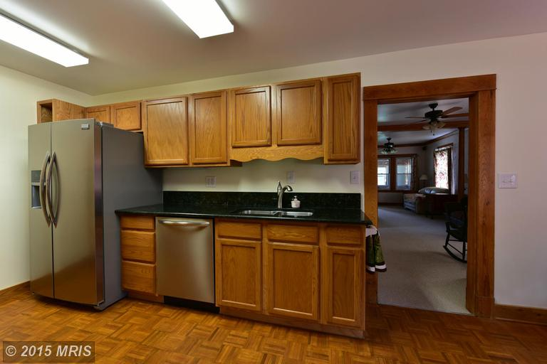 2006 Middleborough Road, Essex, MD, 21221: Photo 9