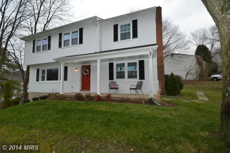 2 Fireoak Ct, Cockeysville, MD 21030