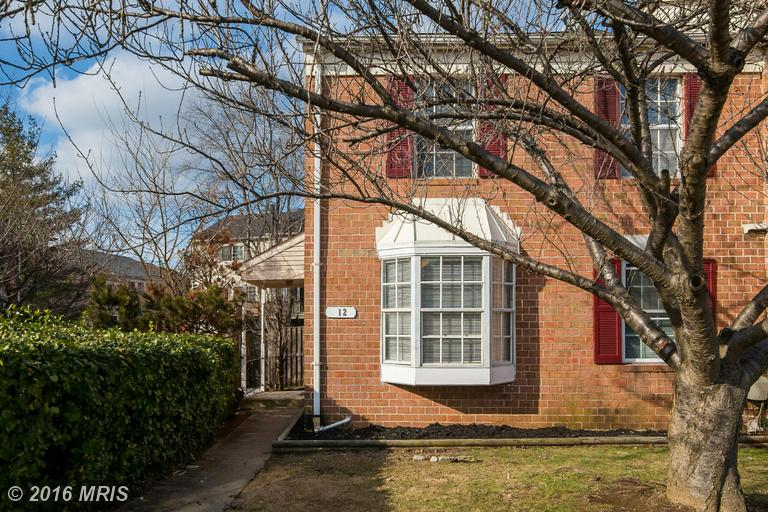 12 Courtwood Dr, Pikesville, MD 21208
