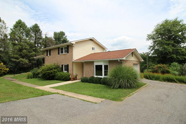 19605 Middletown Rd, Freeland, MD 21053
