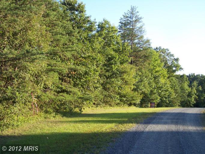 Daring hill lane lane Inwood West Virginia 25428