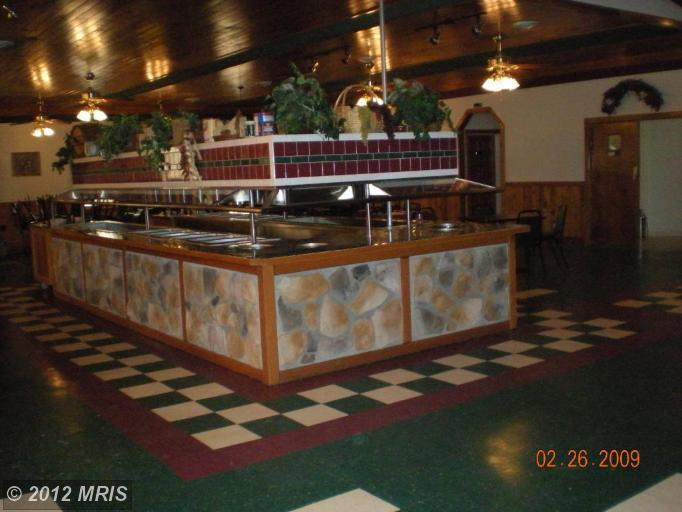 8543 Winchester Ave, Inwood, WV 25428