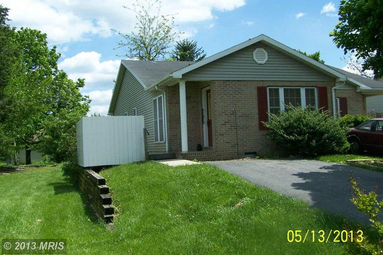 1107 New York Ave, Martinsburg, WV 25401