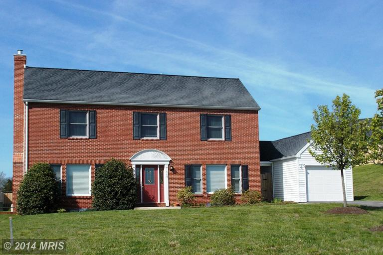 665 Brown Rd, Martinsburg, WV 25404