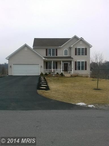 314 Carrington Dr, Falling Waters, WV 25419