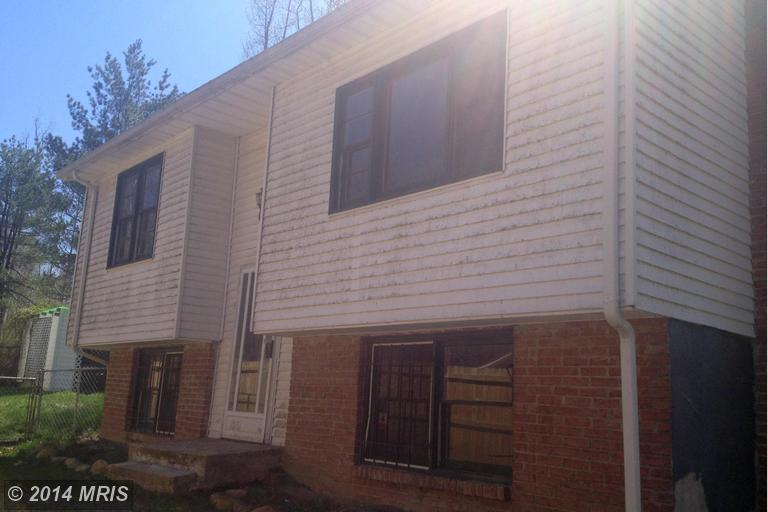 235 Lexington Ave, Falling Waters, WV 25419