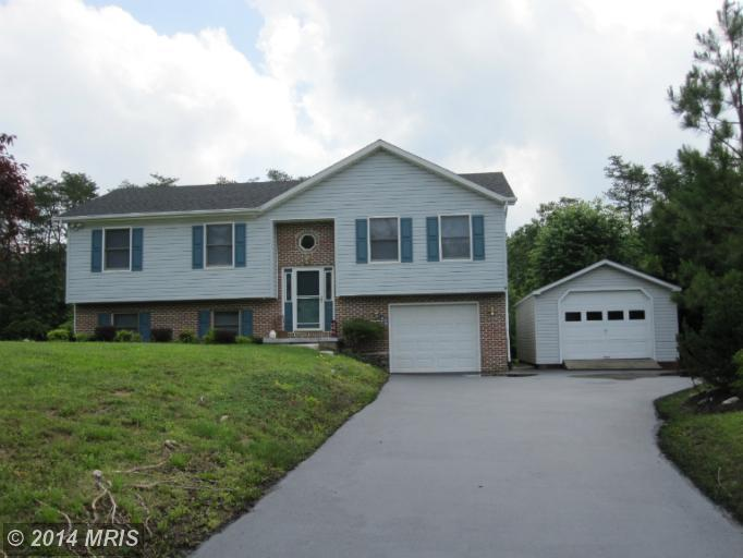 88 Chantilly Ln, Inwood, WV 25428