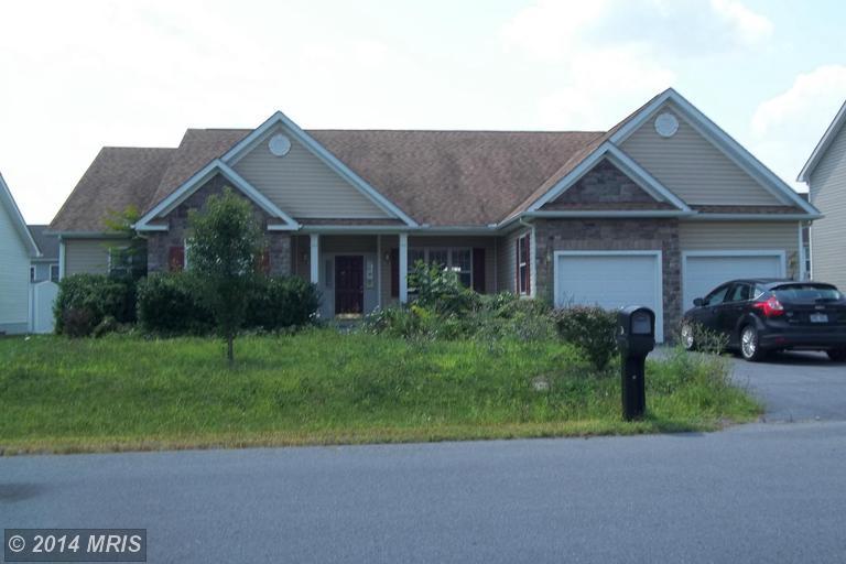 28 Bunting Ave, Martinsburg, WV 25405